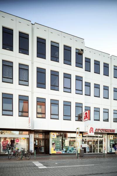Das Gebäude der Orthopädischen Gemeinschaftspraxis in der Friedrich Breuer Straße, Bonn-Beuel